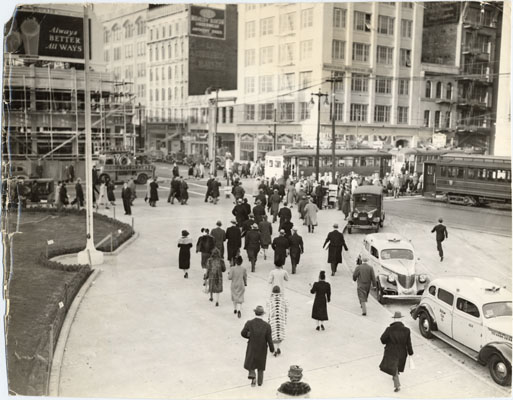 Jan 17 1939 commuters leave at 1st and mission w lawn AAD-6047.jpg
