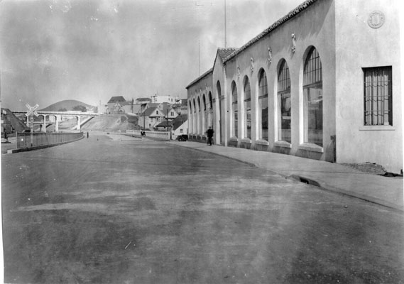 Bernal Cut looking from Rousseau street April 1930 AAA-9905.jpg