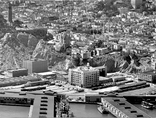 Aug 30 1949 tel hill and north beach near pier 29 AAC-1419.jpg