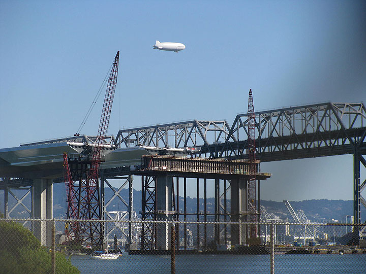 2-bridges-a-blimp-and-container-docks 5238.jpg