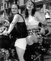 Gay1$dykes-on-bikes.jpg