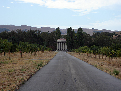Image:Sunol-water-temple-at-end-of-road7267.jpg