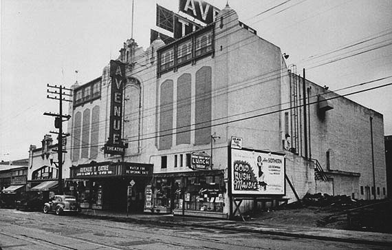 File:Avenue-Theater-1940-AAA-8545.jpg