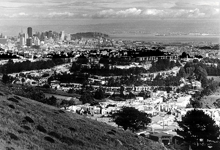 Downtown from mt- davidson 1994.jpg