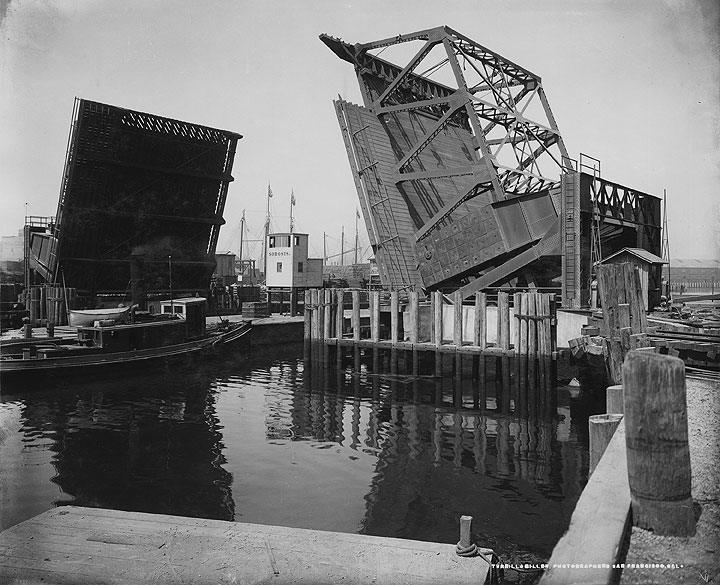 Tug-Elizabeth-steams-under-two-sided-3rd-street-drawbridge-pre-1930s-brk00012267 24a.jpg