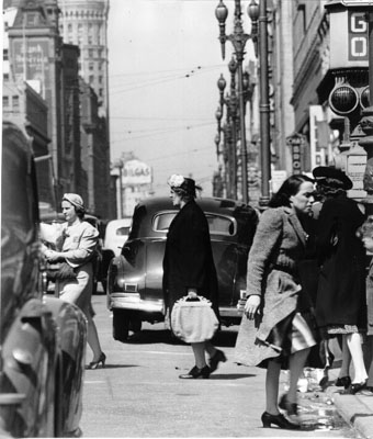 Two women jaywalkers on market july 1941 AAB-6257.jpg