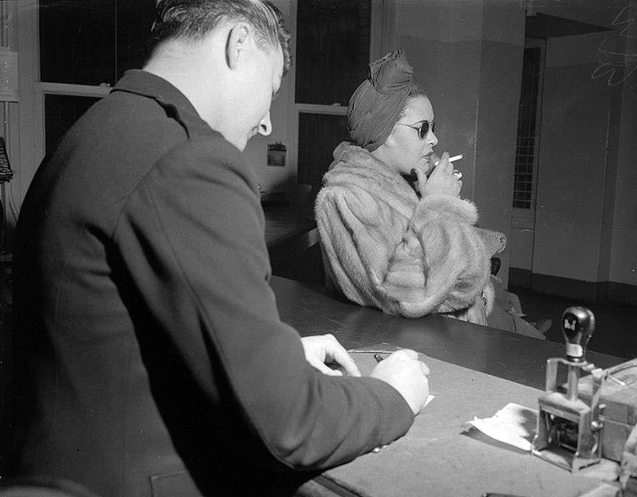 Billie-Holiday-at-the-Hall-of-Justice-on-a-narcotics-charge,-Jan.jpg