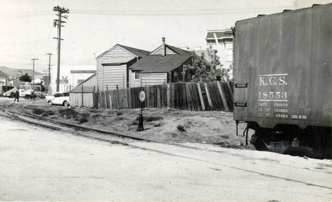 July 9 1959 sp train on curve behind 22nd and Folsom AAB-9455.jpg