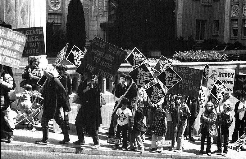 Yes-on-15 1975 march-in-SF-by-Jim-Burch.jpg