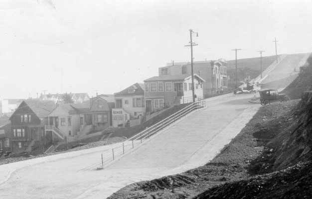 Collingwood and 21st c 1920s AAB-3382.jpg