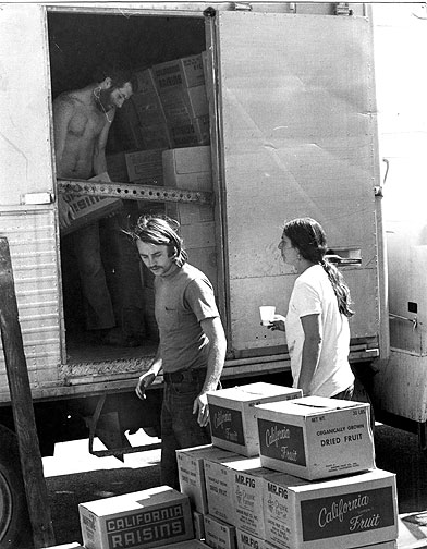 Image:Food-warehouse-unloading001.jpg