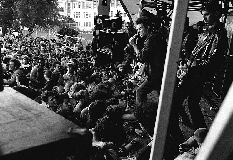 Dead-Kennedys-at-Dolores-Park-1984.jpg