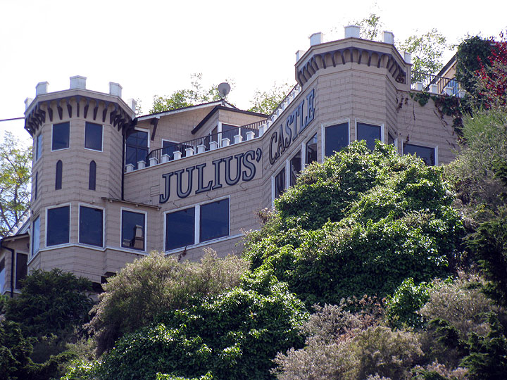 File:Julius-Castle 0050.jpg
