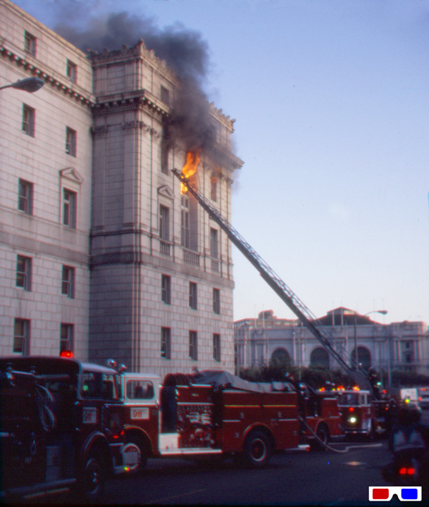 File:Fire-at-Civic-Center-10-83-RB-3D.jpg