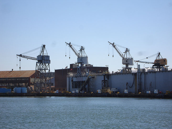 Old-cranes-in-shipyards-4574.jpg