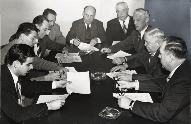 Image:Nov 1948 strike negotiations AAD-5595.jpg
