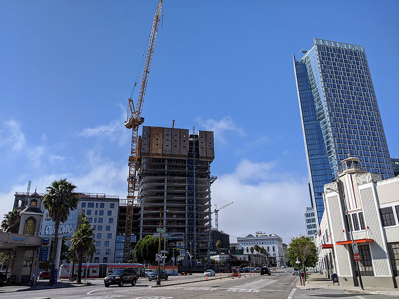 File:Highrise-apartments-under-construction-at-S-Van-Ness-and-Mission 20200809 162111.jpg