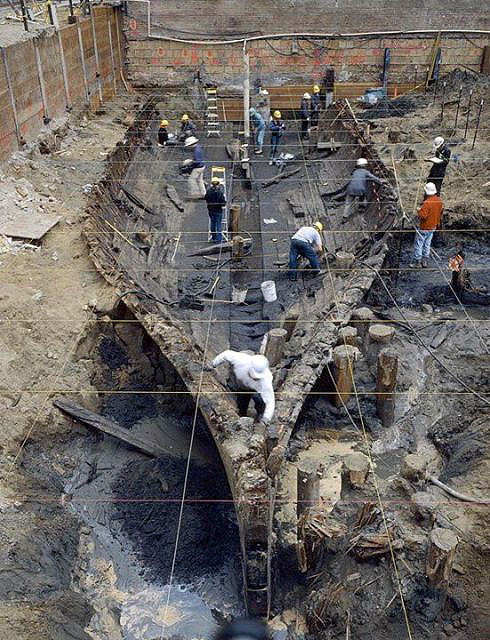 Buried-ship-being-excavated 23-3-490x640.jpg
