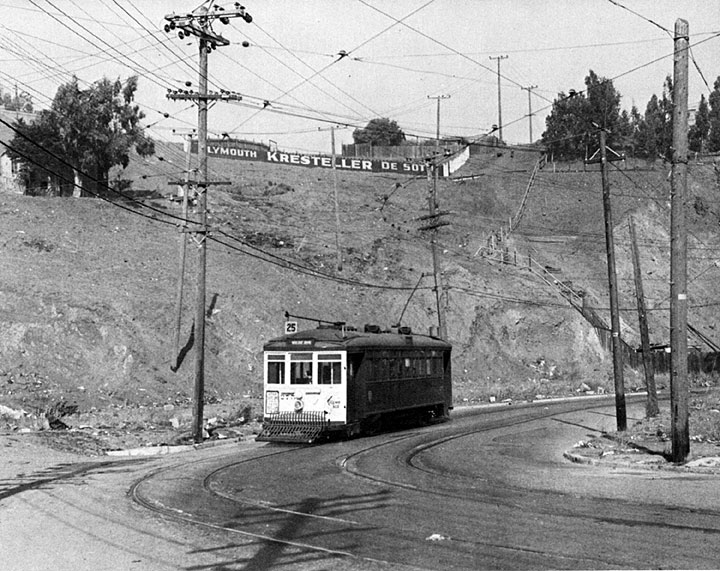 25-line-streetcar-rolling-towards-5-mile-house.jpg