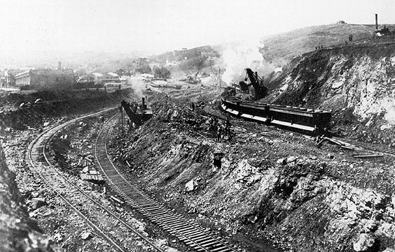 File:Carving-east-side-of-pothill-for-rr-tracks.jpg
