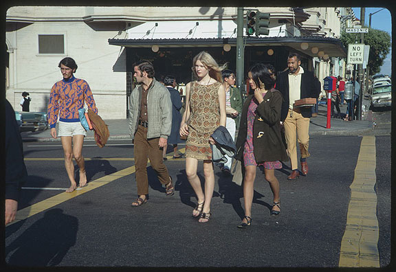 Cushman-1967-Haight-and-Masonic-people-crossing-P15566.jpg