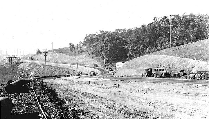 Portola-Drive-widening-west-from-Clipper-Nov-7-1929-SFDPW.jpg