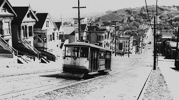 Cable-Car-on-Castro-betw-23rd-and-Alvarado-south-1940 72dpi.jpg