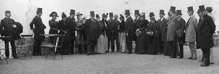 The-President-Mrs-Harrison-and-Party-parapets-of-Sutro-Heights-April-27-1891-w-Sutro-bw-cropped-20-in-wide-72dpi.jpg