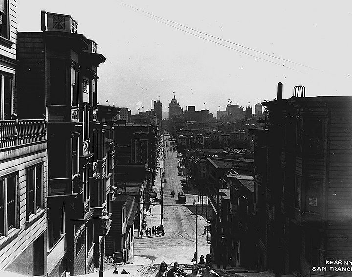 Kearny-south-from-Vallejo-c-1920-SFPL 72dpi.jpg