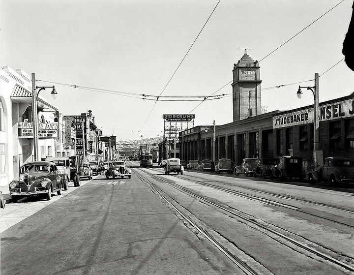 11th-street-south-from-Market-1940.jpg