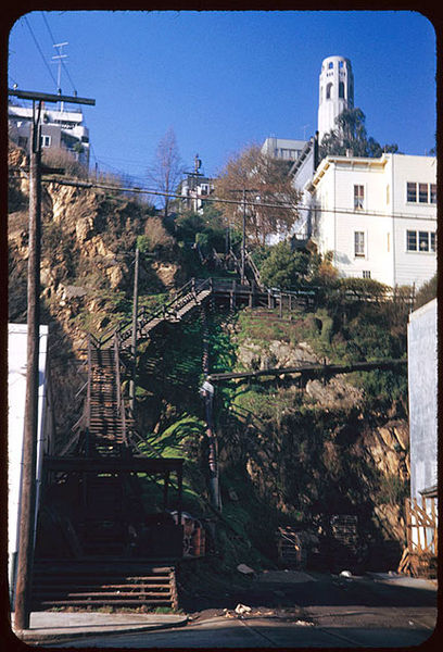 File:Cushman-Dec-14-1952-Filbert-Steps-from-Sansome-P06510.jpg