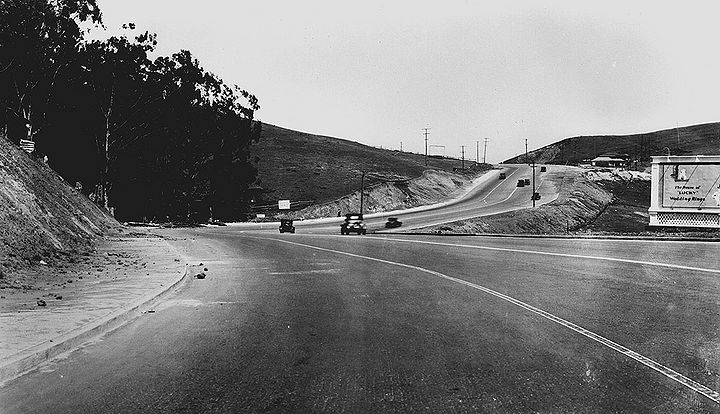 Portola-Dr-northeast-near-Twin-Peaks-Blvd-April-16-1930-SFDPW 72dpi.jpg