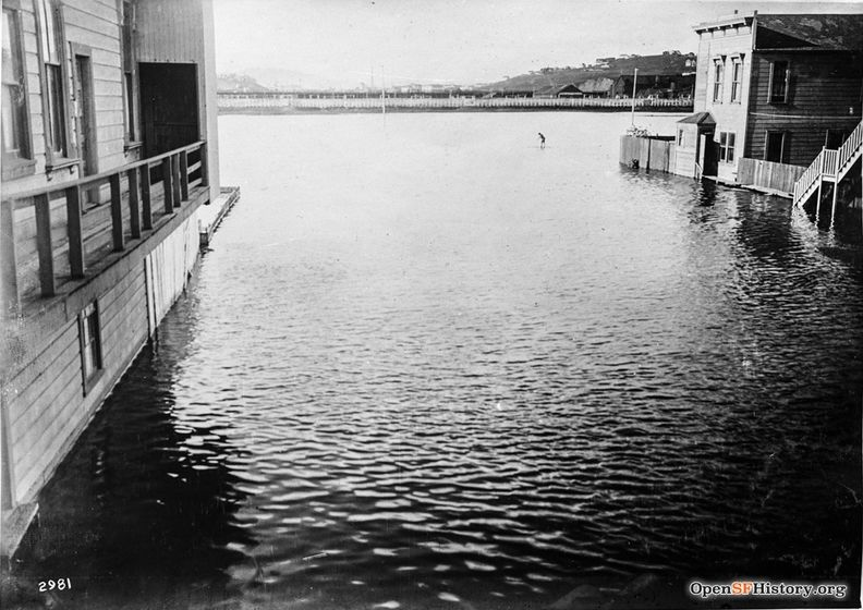 Islais Creek flood Jan 14 1916 North from RR Ave & Hudson dpwbook15 dpw2981 wnp36.01160.jpg