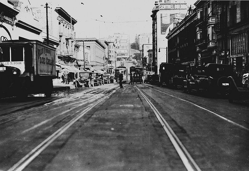 File:Kearny-north-from-Jackson-on-street-level-March-11-1926-SFDPW 72dpi.jpg