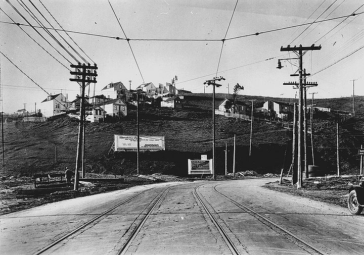 San-Bruno-Ave-north-at-present-Aleman-Blvd-w-Bernal-east-slope-ahead-1927-SFPL.jpg