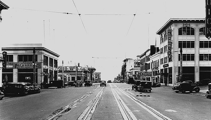 Van-Ness-south-at-California-w-Auto-Row-and-H-streetcar-1936-SFPL.jpg