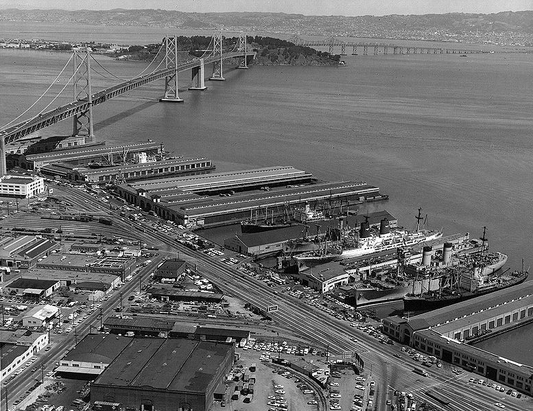 File:South-of-Bay-Bridge-piers-c-1972-courtesy-Jimmie-Shein.jpg
