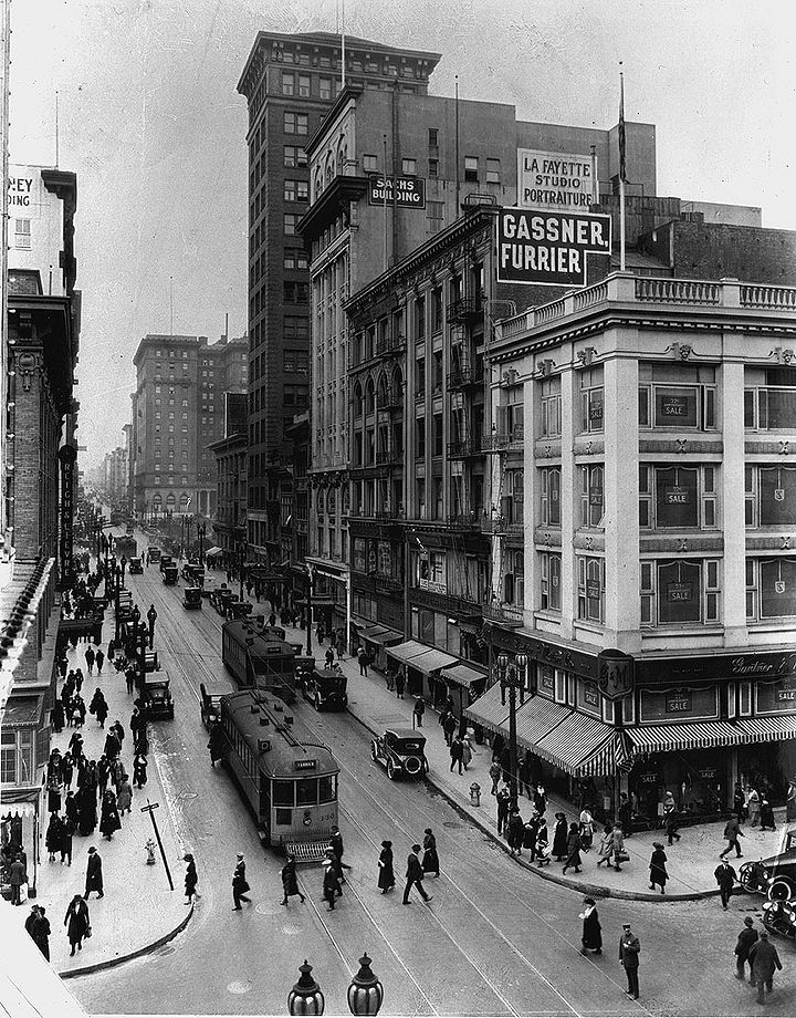 Geary-west-at-Grant-w-streetcars-A-B-C-and-D-Union-Square-and-St-Francis-Hotel-c-1929-SFPL.jpg