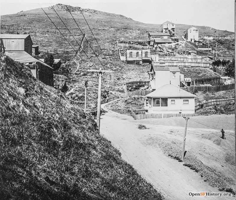 30th and Castro c 1915 Looking west at Gold Mine Hill. Gray Brothers quarry building on left. (Manning Collection) wnp26.1126.jpg