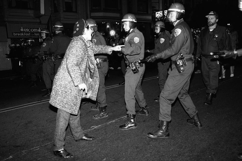 Castro sweep cops on street 10-6-89.jpg