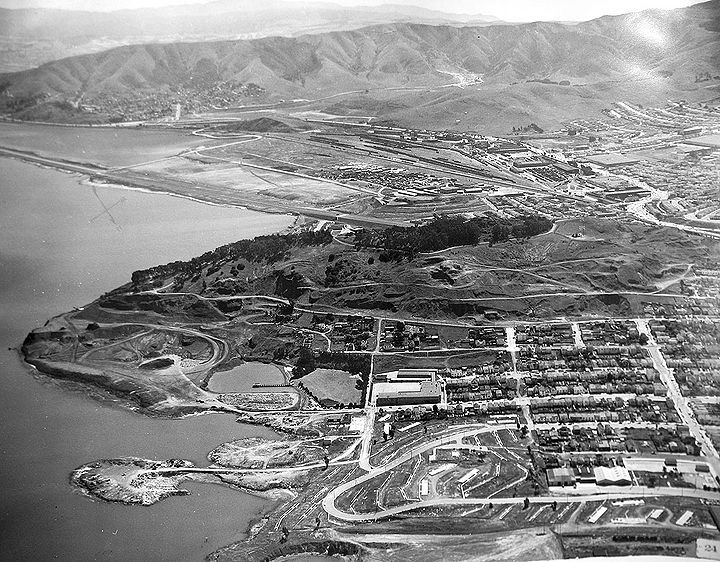 Bayview-Hill-and-surroundings-from-air-1957 3003.jpg