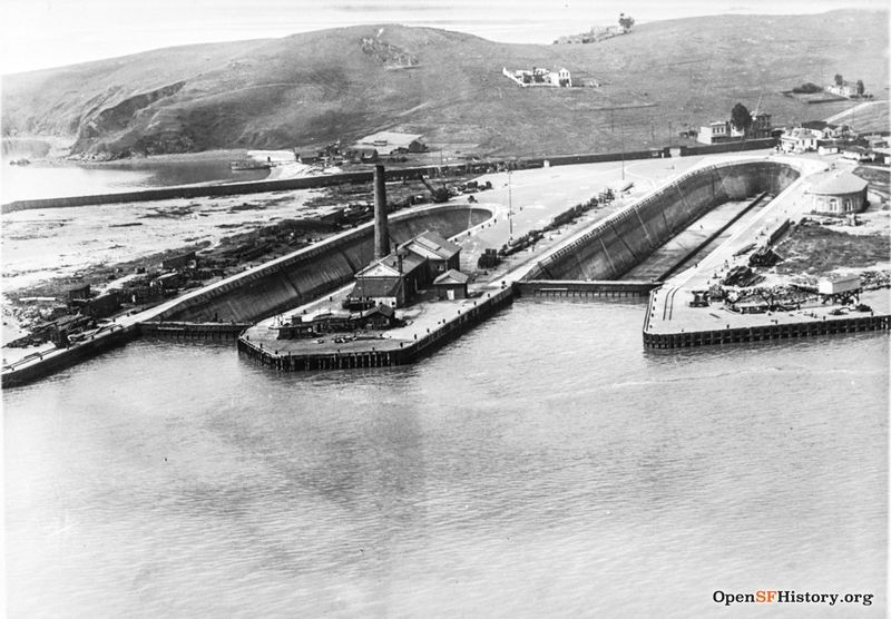 File:Aerial view Hunters Point circa 1910 wnp33.03943.jpg