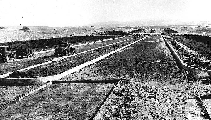Sunset-Blvd-construction-south-at-Kirkham-April-2-1931-SFDPW.jpg