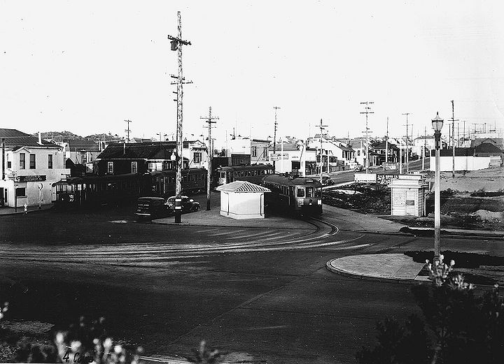 Judah-and-Ocean-beach-N-car-turnaround-c-1930s.jpg