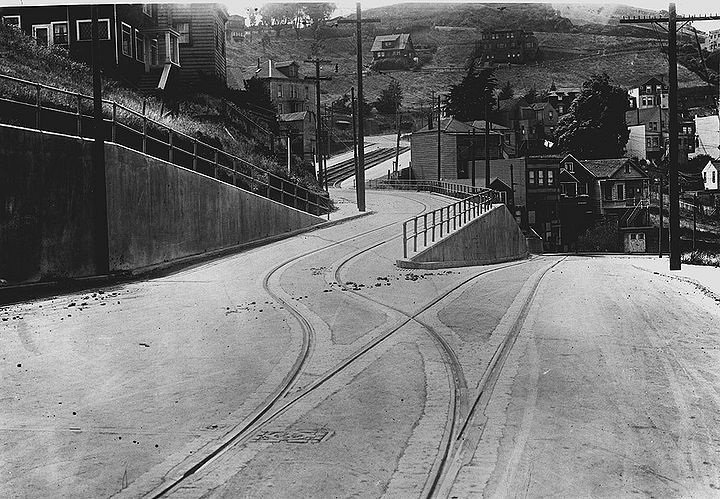 Market-and-Clayton-switchback-(Market-called-Falcon-until-1927)-c-1920 SFDPW.jpg