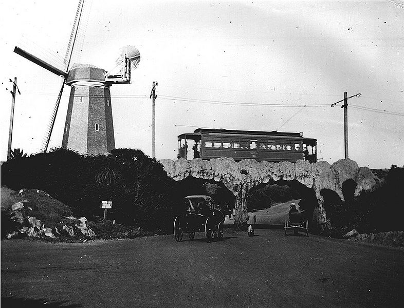 File:Windmill-streetcar-and-horse-drawn-carriages-at-ocean-end-of-GG-Park-c-1910.jpg