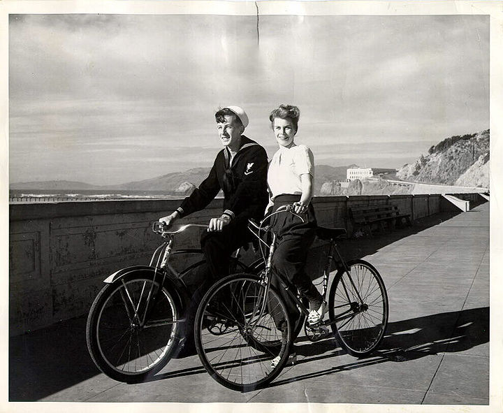 2 cyclists at Ocean Beach 1955.jpg