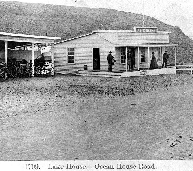 File:Lake-House-1870s.jpg