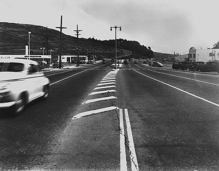 Portola-Drive-ne-at-Teresita-Blvd-and-OShaughnessy-at-right-March-13-1947-SFDPT.jpg