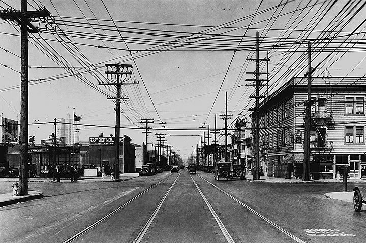 Folsom-St-ne-at-6th-1928-SFPL 72dpi.jpg